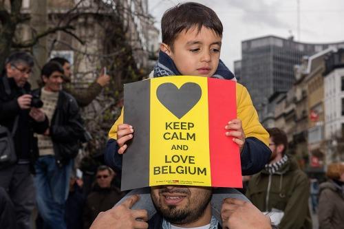 2016/04/17 brussel belgium : mars tegen terreur na de aanslagen in brussel; van het noordstation over het beursplein tot het fontainasplein foto ivan put
