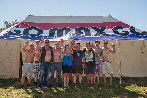 2016/08/25 francorchamps belgium : fans van max verstappen op de campings rond francorchamps foto ivan put