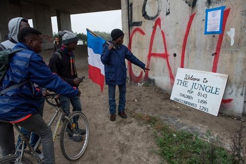 2016/10/24 calais frankrijk: eerste dag van de ontruiming van de jungle van calais foto ivan put