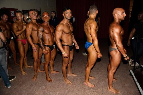 2016/10/29 eghezée belgium : iraaks vluchteling rami tahe neemt voor het eerst deel aan een belgische competitie bodybuilding foto ivan put