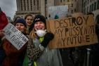 2019/01/17 brussel belgium : scholieren spijbelen om te betogen voor een ambitieuzer klimaatbeleid in Brussel foto ivan put